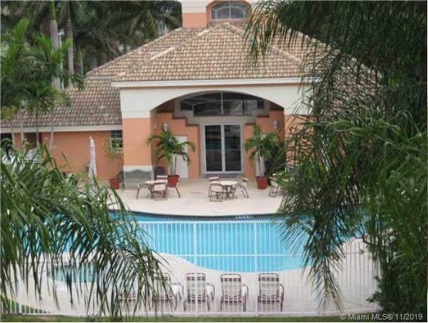 6936 SW 39th St D104, Davie, FL 33314 (MLS #A10771569) :: Green Realty Properties