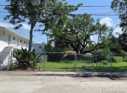 3669 Frow Ave, Miami, FL 33133 (MLS #A10773687) :: Grove Properties