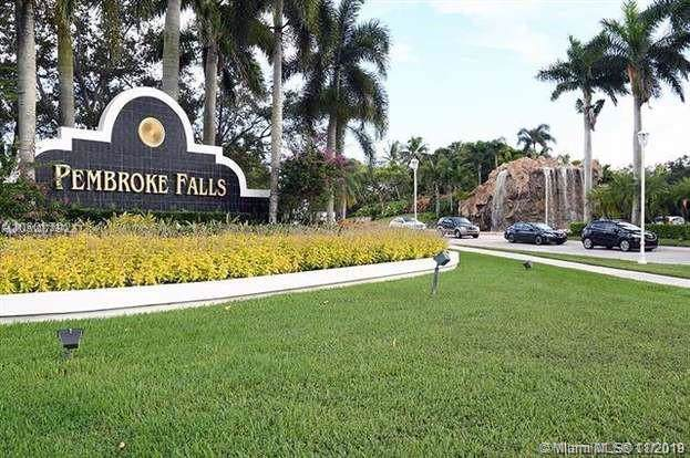 2172 NW 139th Ter, Pembroke Pines, FL 33028 (#A10773970) :: Real Estate Authority