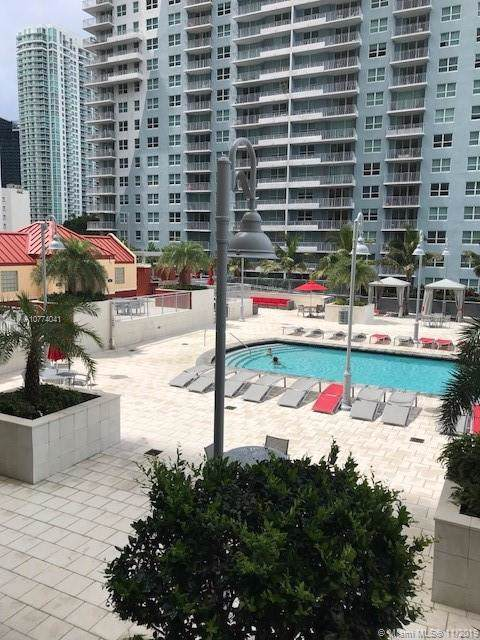 1155 Brickell Bay Dr #708, Miami, FL 33131 (MLS #A10774041) :: Berkshire Hathaway HomeServices EWM Realty