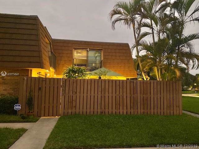 2553 Lakeview Ct #232, Cooper City, FL 33026 (MLS #A10774541) :: The Teri Arbogast Team at Keller Williams Partners SW