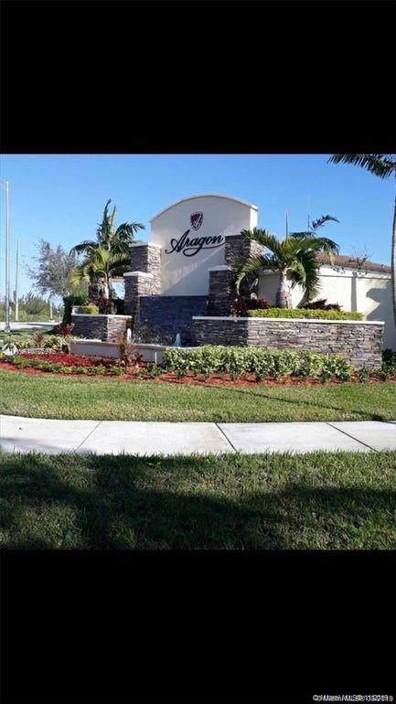 8892 W 35th Way, Hialeah, FL 33018 (MLS #A10775975) :: The Adrian Foley Group