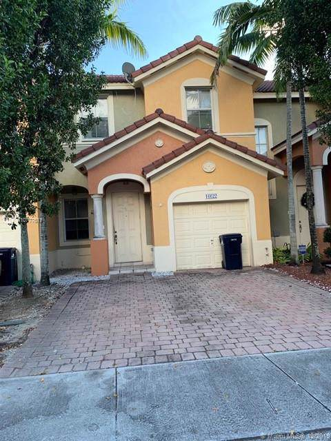 16622 SW 79th Ter, Miami, FL 33193 (MLS #A10777611) :: The Howland Group
