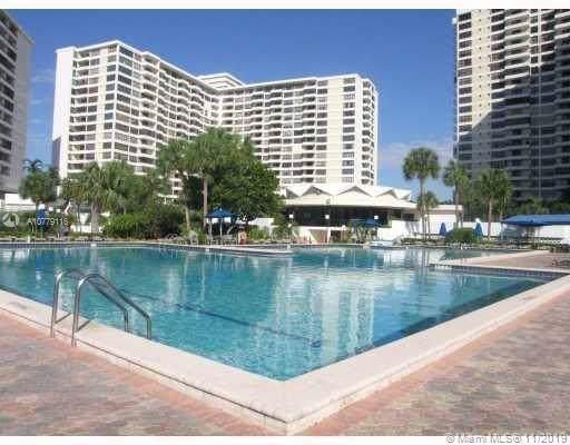 2500 Parkview Dr #1102, Hallandale, FL 33009 (MLS #A10779116) :: Berkshire Hathaway HomeServices EWM Realty