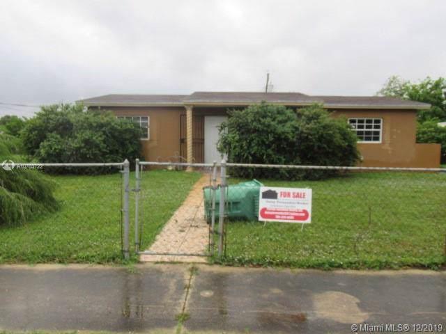 2320 NW 208th St, Miami Gardens, FL 33056 (MLS #A10783722) :: Berkshire Hathaway HomeServices EWM Realty