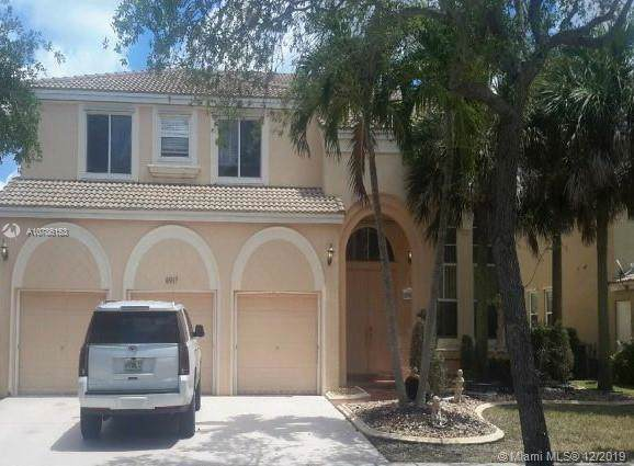 4917 SW 167th Ave, Miramar, FL 33027 (MLS #A10786153) :: The Howland Group