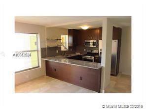 240 Collins Ave 5D, Miami Beach, FL 33139 (MLS #A10787526) :: Miami Villa Group