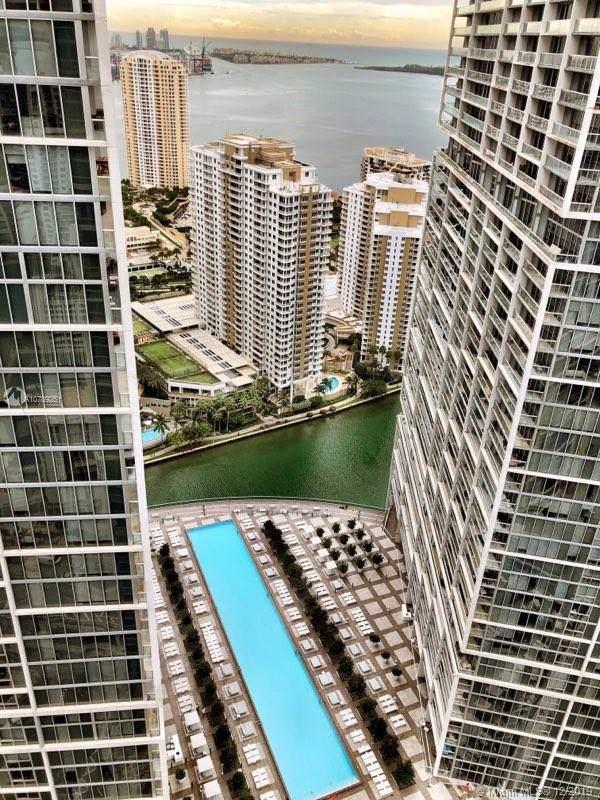 485 Brickell Ave #4601, Miami, FL 33131 (MLS #A10789251) :: Berkshire Hathaway HomeServices EWM Realty