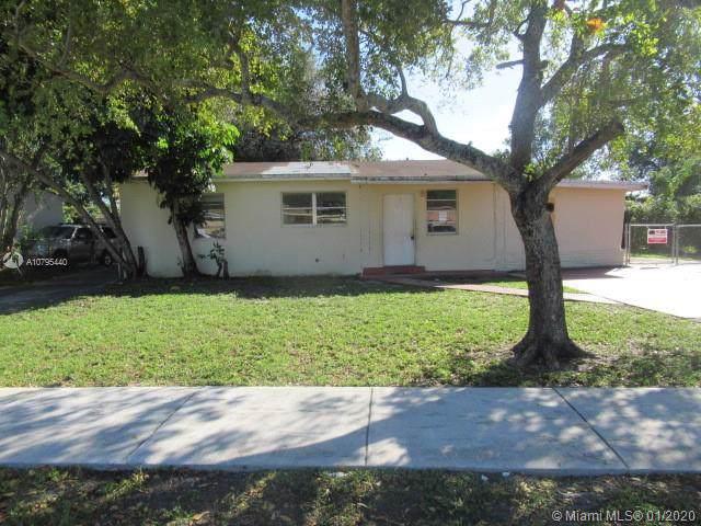 2930 NW 161st St, Miami Gardens, FL 33054 (MLS #A10795440) :: Grove Properties
