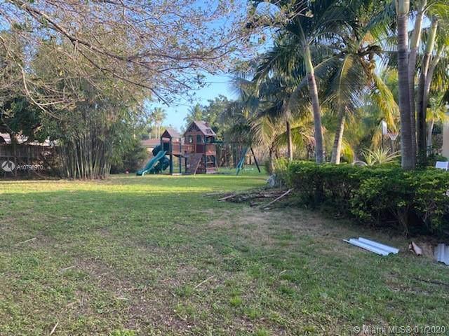 Miami, FL 33176 :: The Erice Group