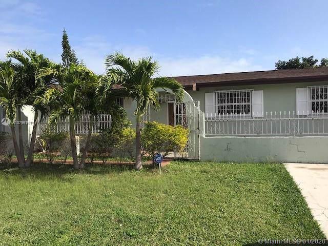 19805 SW 119th Pl, Miami, FL 33177 (MLS #A10799191) :: Kurz Enterprise