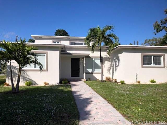 2115 NE 170th St, North Miami Beach, FL 33162 (MLS #A10799972) :: Patty Accorto Team