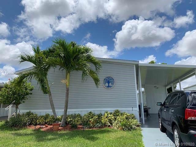 1301 SW 114th Ave, Davie, FL 33325 (MLS #A10801251) :: The Teri Arbogast Team at Keller Williams Partners SW