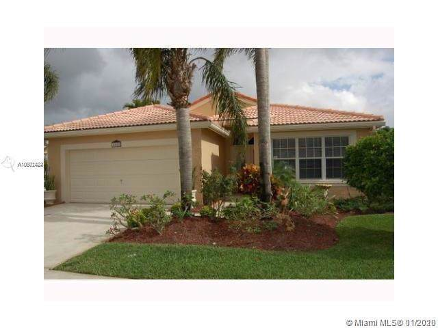 405 SW 183rd Way, Pembroke Pines, FL 33029 (MLS #A10801422) :: The Erice Group