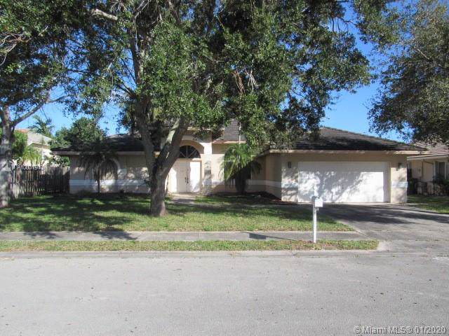 1201 SW 103rd Ave, Pembroke Pines, FL 33025 (MLS #A10801910) :: The Teri Arbogast Team at Keller Williams Partners SW