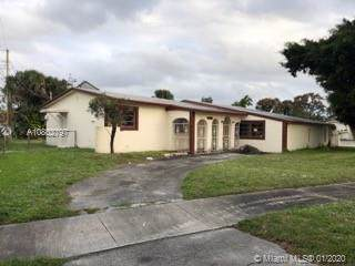 19201 NW 23rd Ct, Miami Gardens, FL 33056 (MLS #A10802797) :: The Erice Group
