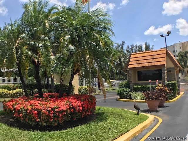 3940 Inverrary Blvd 704-A, Lauderhill, FL 33319 (MLS #A10804073) :: Berkshire Hathaway HomeServices EWM Realty