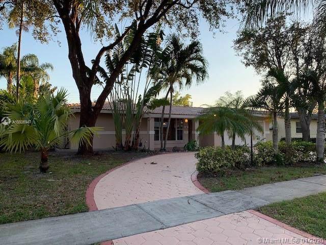 4506 Polk St, Hollywood, FL 33021 (MLS #A10806947) :: Green Realty Properties