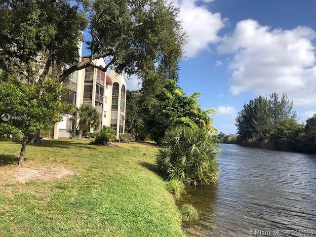 3360 Spanish Moss Ter #412, Lauderhill, FL 33319 (MLS #A10807504) :: Miami Villa Group