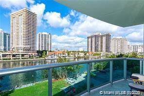 19390 Collins Ave #517, Sunny Isles Beach, FL 33160 (MLS #A10809389) :: The Teri Arbogast Team at Keller Williams Partners SW