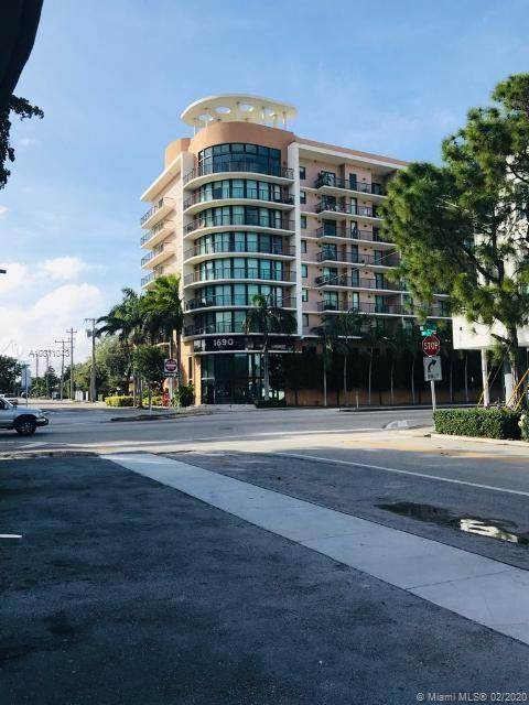 1690 SW 27th Ave #404, Miami, FL 33145 (MLS #A10811043) :: Green Realty Properties