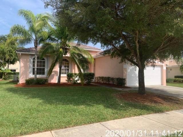 2435 SE 4th Pl, Homestead, FL 33033 (MLS #A10815098) :: Prestige Realty Group
