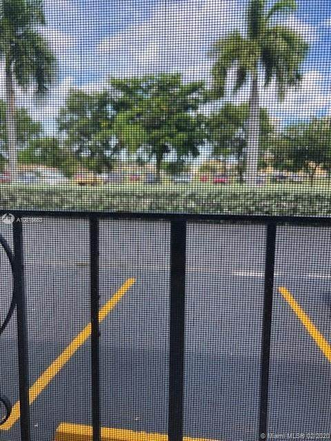501 Blue Heron Dr 113-A, Hallandale Beach, FL 33009 (MLS #A10815653) :: The Paiz Group