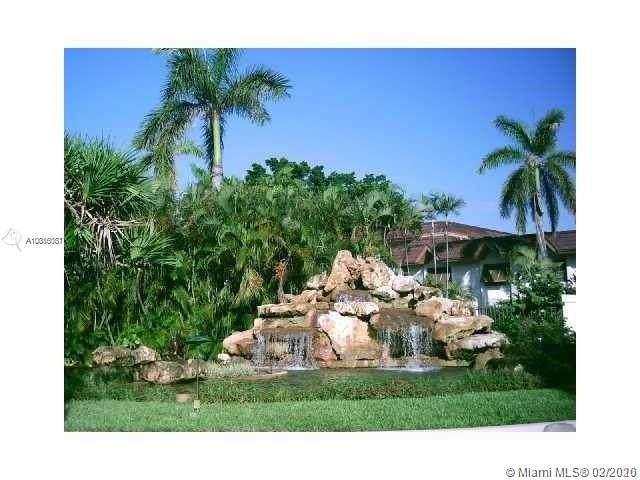 9354 SW 77th Ave I8, Miami, FL 33156 (MLS #A10816081) :: Grove Properties