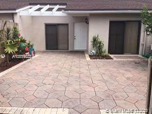 5008 E Lakes Dr #5008, Deerfield Beach, FL 33064 (MLS #A10819003) :: The Levine Team