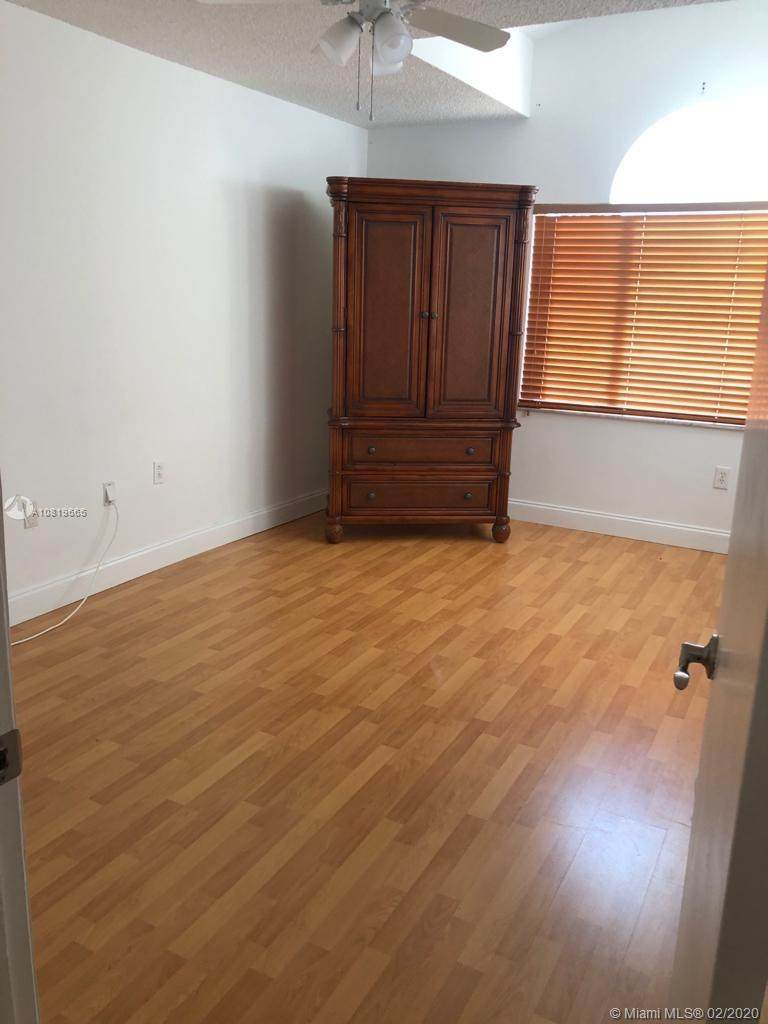 4730 102nd Ave - Photo 1
