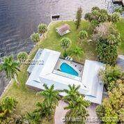 2523 SW Conch Cove Lane, Palm City, FL 34990 (MLS #A10820102) :: Berkshire Hathaway HomeServices EWM Realty
