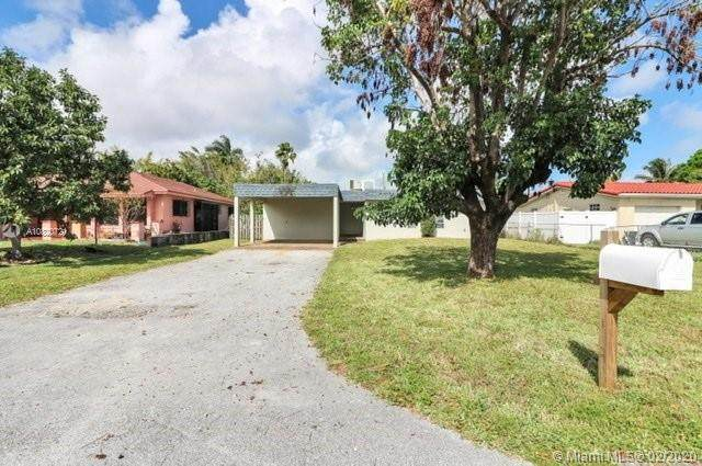 1281 SW 32nd St, Fort Lauderdale, FL 33315 (MLS #A10820721) :: The Levine Team