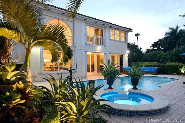 4452 NW 93rd Doral Ct, Doral, FL 33178 (MLS #A10824528) :: Berkshire Hathaway HomeServices EWM Realty