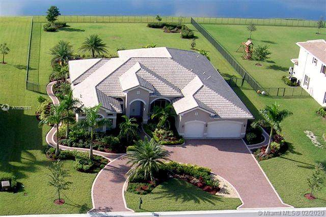 10992 Pine Lodge Trl, Davie, FL 33328 (MLS #A10825310) :: Laurie Finkelstein Reader Team