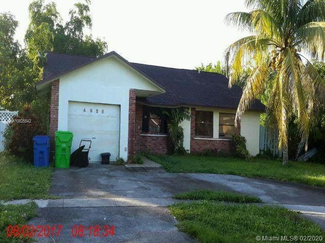 4958 NW 91st Ter, Sunrise, FL 33351 (MLS #A10825542) :: Berkshire Hathaway HomeServices EWM Realty