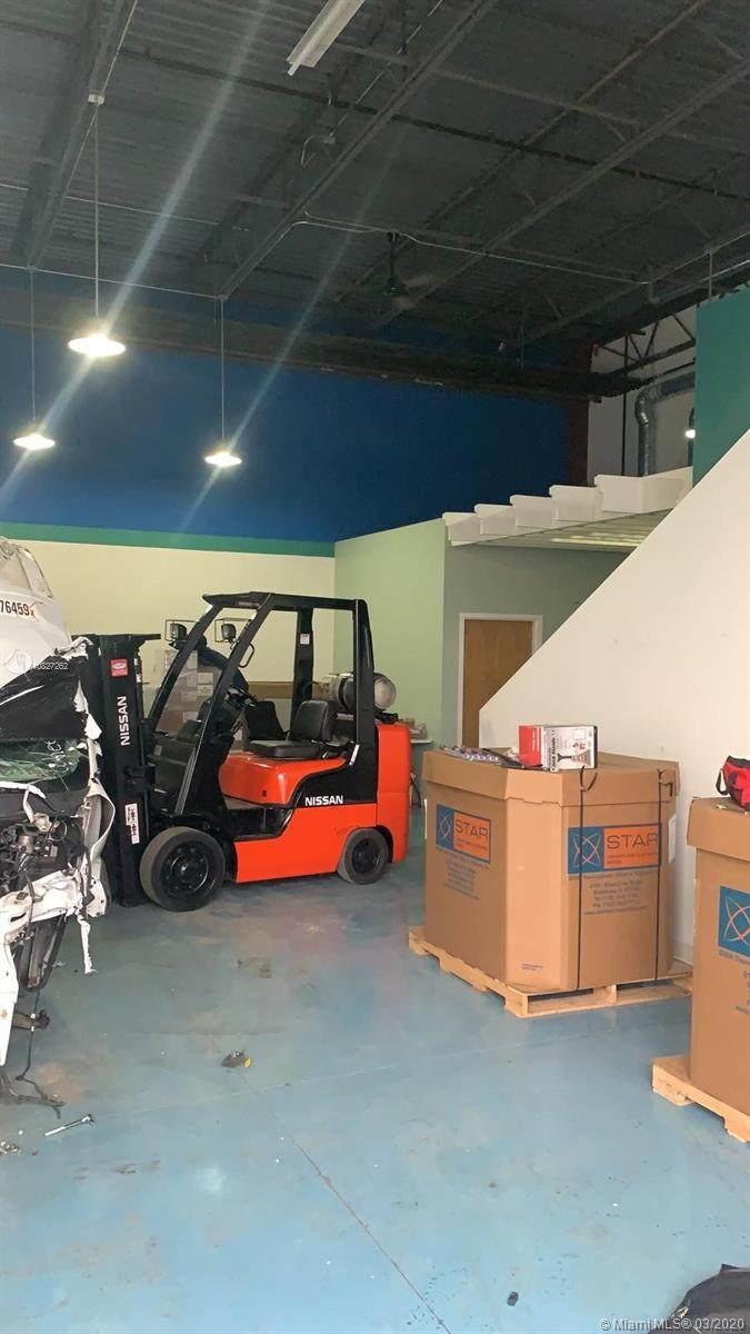 Trucking & Logistics Company - Photo 1