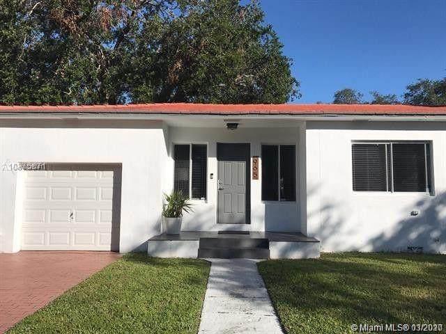 965 NE 130th St, North Miami, FL 33161 (MLS #A10829241) :: United Realty Group