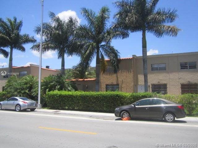 1305 W 53rd St #415, Hialeah, FL 33012 (MLS #A10830859) :: The Jack Coden Group