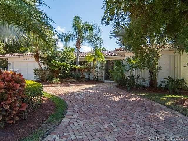 3446 NE 168th St, North Miami Beach, FL 33160 (MLS #A10831598) :: Green Realty Properties