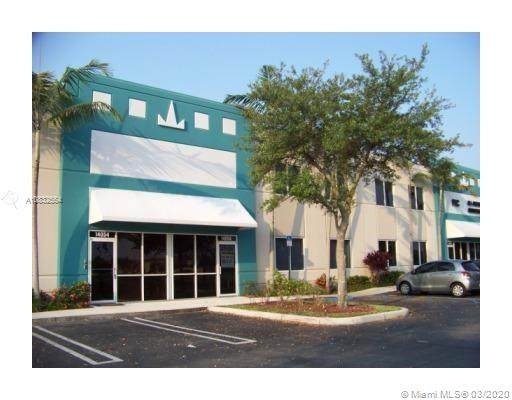 14056 NW 82 AVE A-13, Miami Lakes, FL 33016 (MLS #A10832554) :: The Jack Coden Group