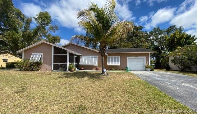 1007 N Audubon Dr, Homestead, FL 33035 (MLS #A10840130) :: United Realty Group