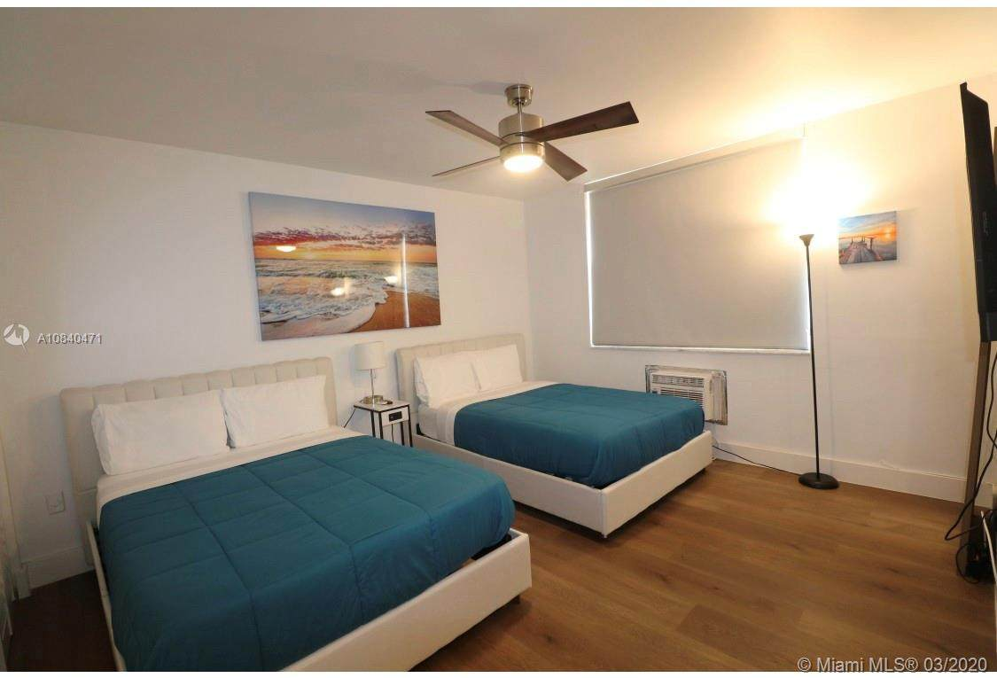 713 Collins Ave - Photo 1