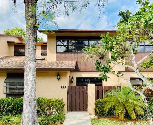 7670 NW 79th Ave O5, Tamarac, FL 33321 (MLS #A10841374) :: THE BANNON GROUP at RE/MAX CONSULTANTS REALTY I