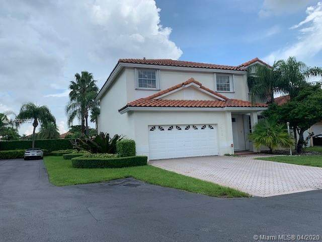 10587 NW 51st Ln, Doral, FL 33178 (MLS #A10841702) :: Lucido Global