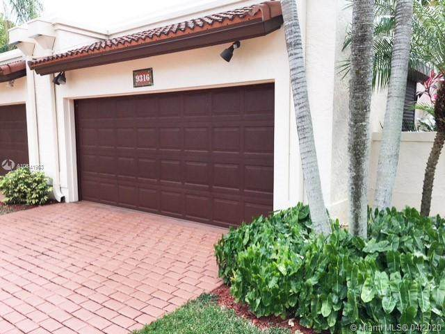 9316 NW 50th Doral Cir N, Doral, FL 33178 (MLS #A10841963) :: Lucido Global