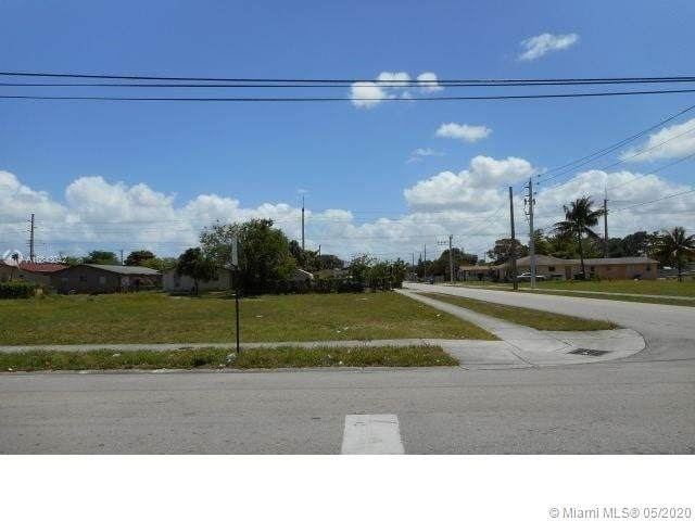 1801 42nd Ave - Photo 1