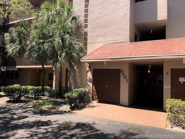 9501 Seagrape Dr #102, Davie, FL 33324 (MLS #A10843265) :: Green Realty Properties