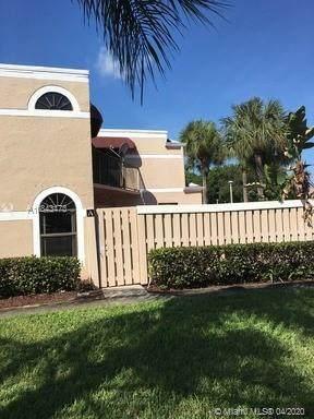 3715 Village Dr A, Delray Beach, FL 33445 (MLS #A10843473) :: Grove Properties