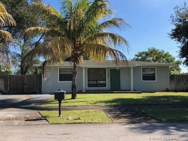 3621 SW 33rd Ave, West Park, FL 33023 (MLS #A10844242) :: GK Realty Group LLC
