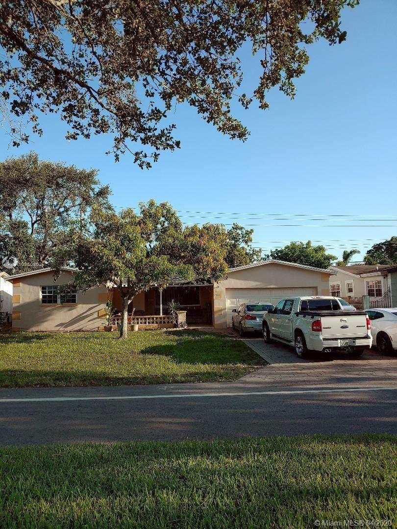 7630 Embassy Blvd - Photo 1